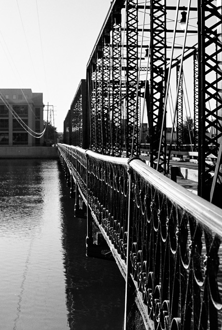 6th Street Bridge, Grand Rapids, MI - Sideview